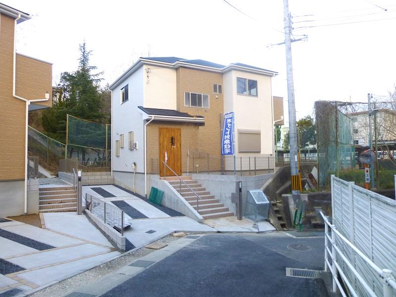 【奈良市第1藤ノ木台 新築一戸建て 】外観写真