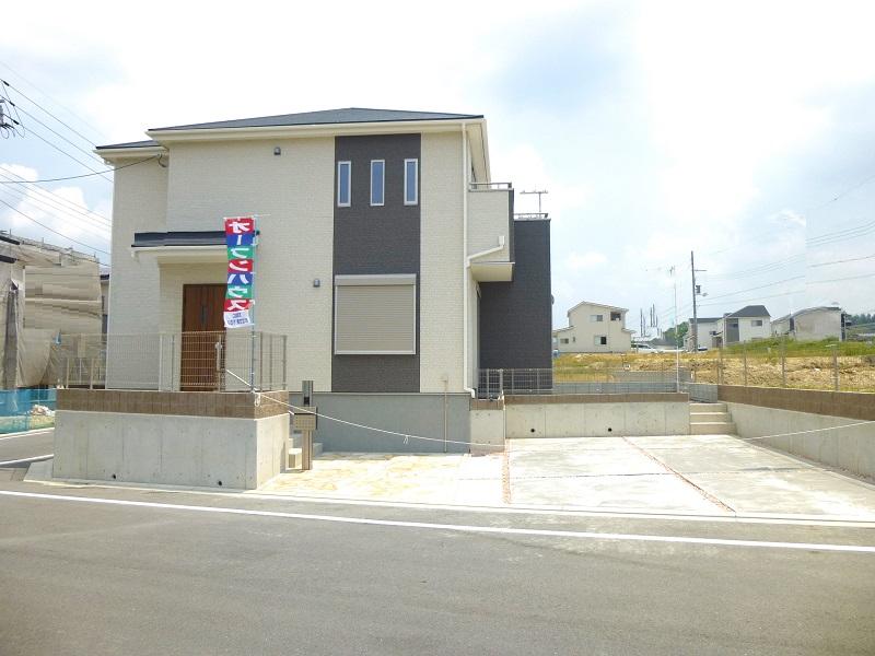 【木津川市城山台4期 新築一戸建て 】外観写真